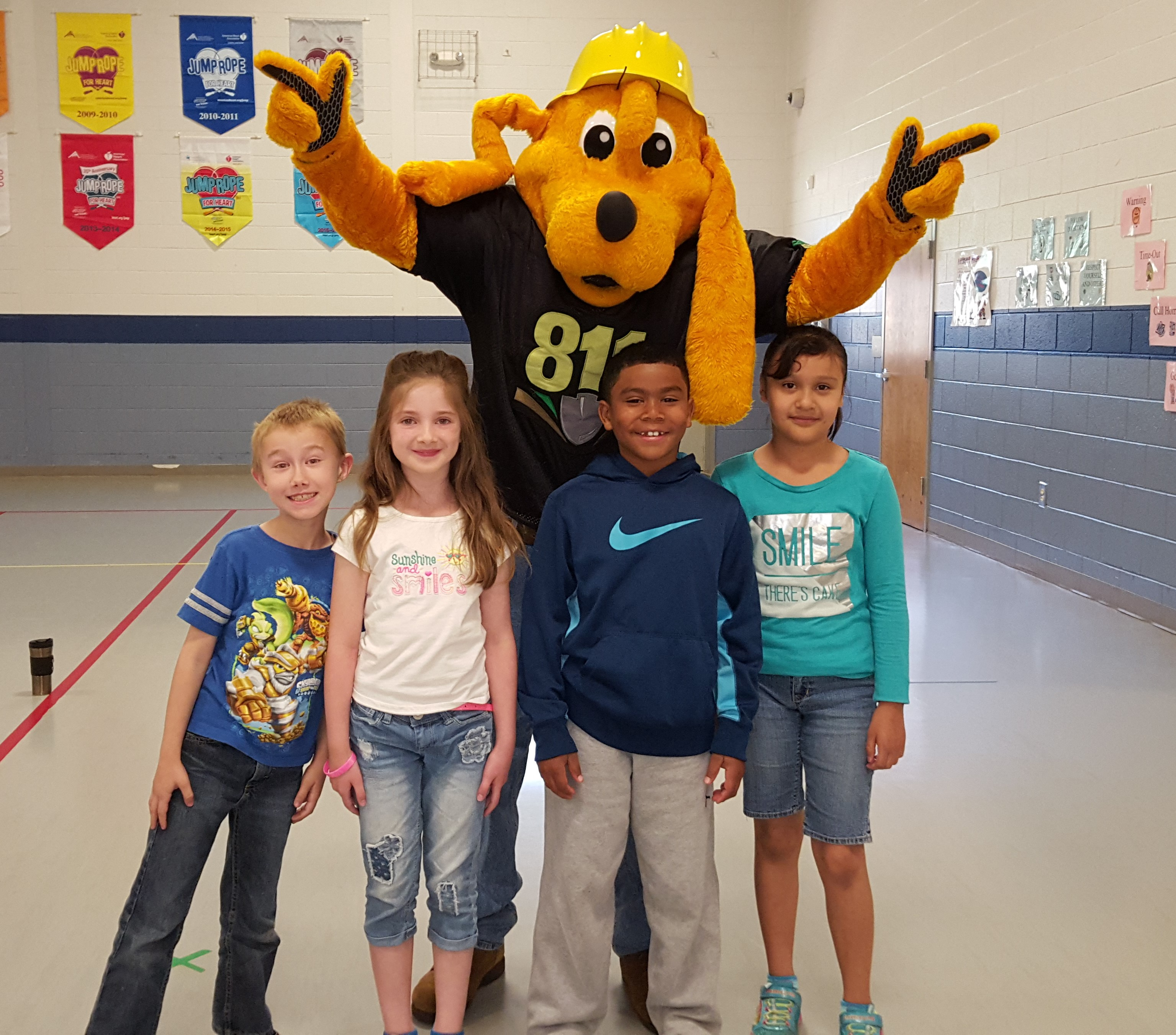 Digger Dog Attends STEM Day At Bill Arp Elemenarty