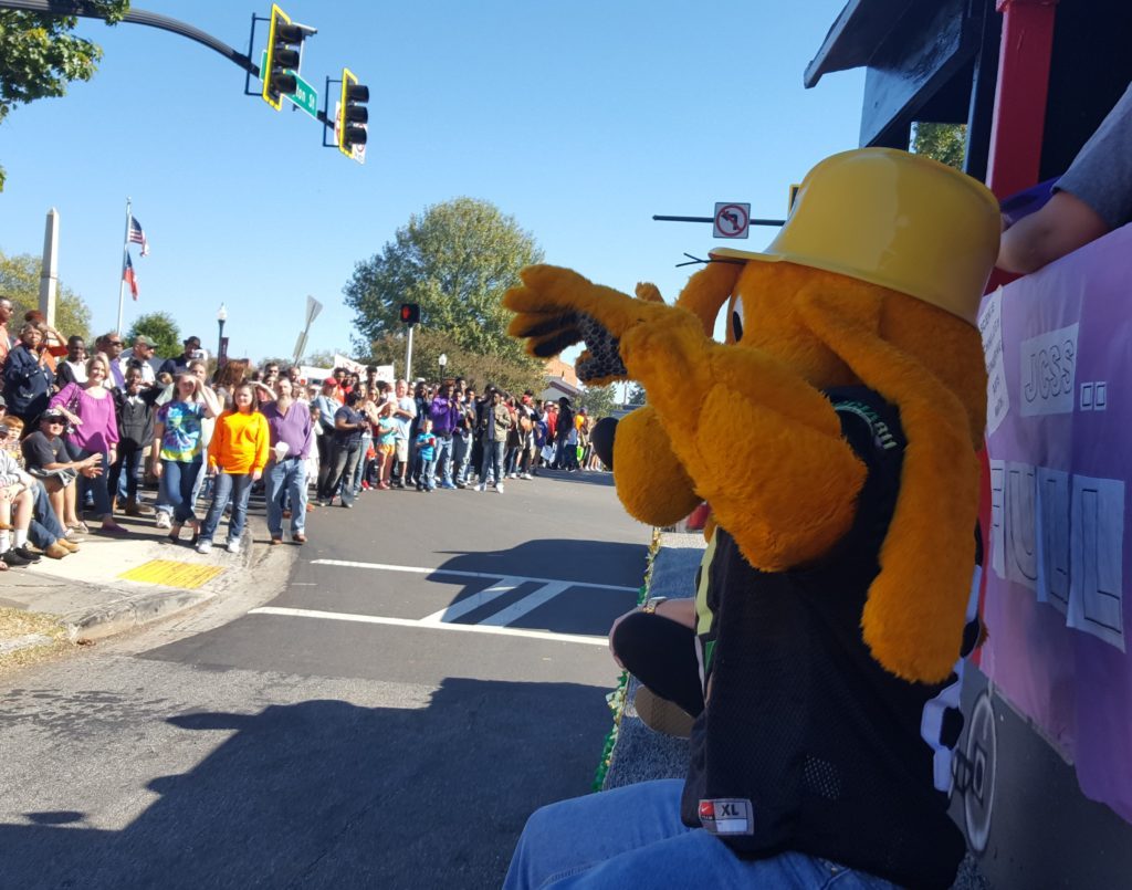 deer-festival-and-parade-with-city-of-monticello-gas-2016-16