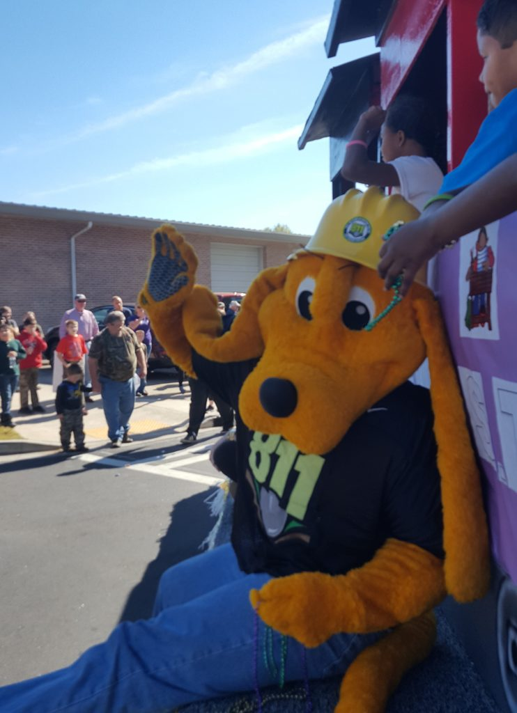 deer-festival-and-parade-with-city-of-monticello-gas-2016-8
