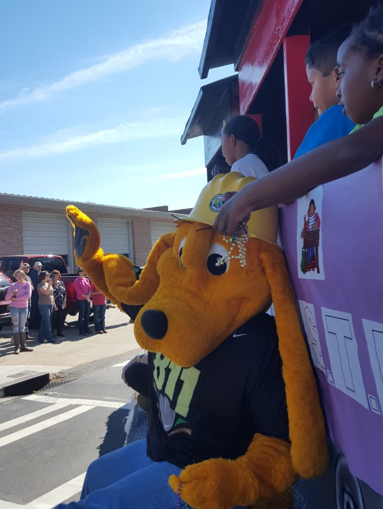 deer-festival-and-parade-with-city-of-monticello-gas-2016-9
